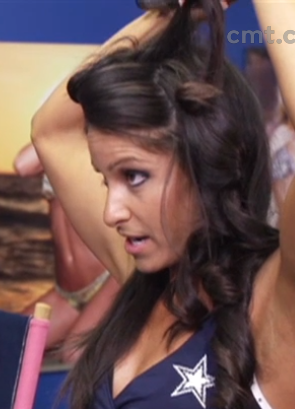 Copy These 6 Hair and Makeup Secrets of the Dallas Cowboys Cheerleaders [PHOTOS]