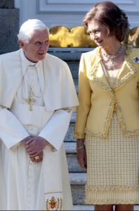 Queen_of_Spain_meets_Pope_via_@nickverreos.blogspot