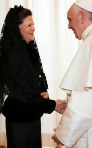 Queen_Silvia_of_Sweden_meets_Pope