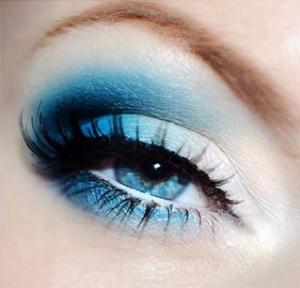 @silver.blue.things_on_igram